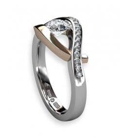 handgjord ring med större diamant