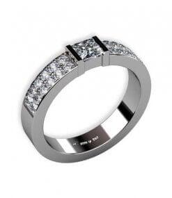 2 rader med fadeninfattade briljantslipade diamanter och 1 st prinsess slipad diamant