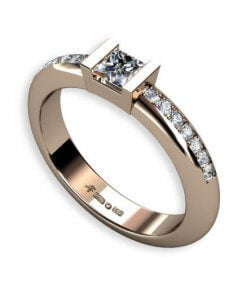 18 k rött guld med handsmidd skena prinsess och briljantslipade diamanter