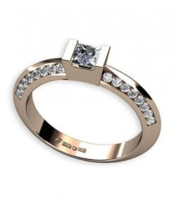 sidoinfattade briljantslipade diamanter och prinsess slipad diamant