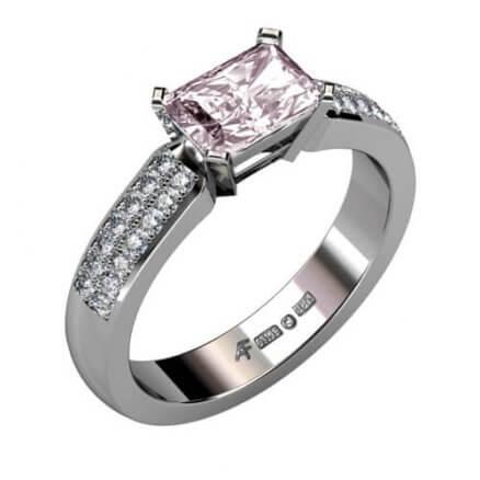 morganitring med diamanter