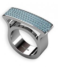 skyeblue diamanter i vitguldsring