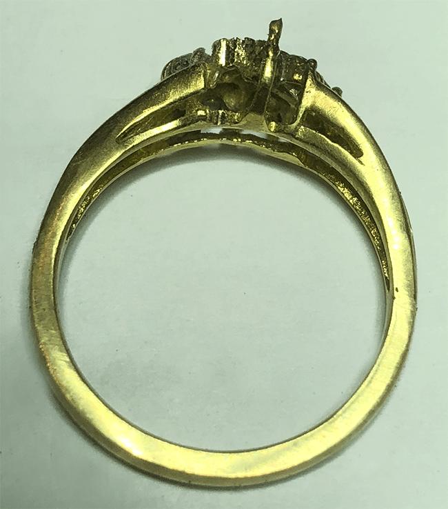 förstärka klor på guldring med diamanter