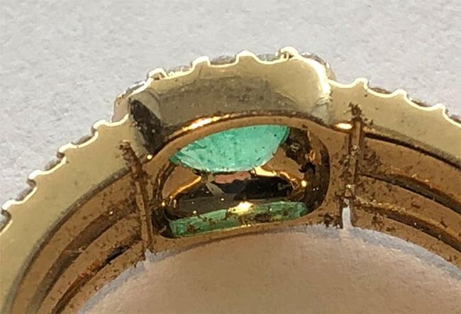 guldring med smaragd minskas eller ökas