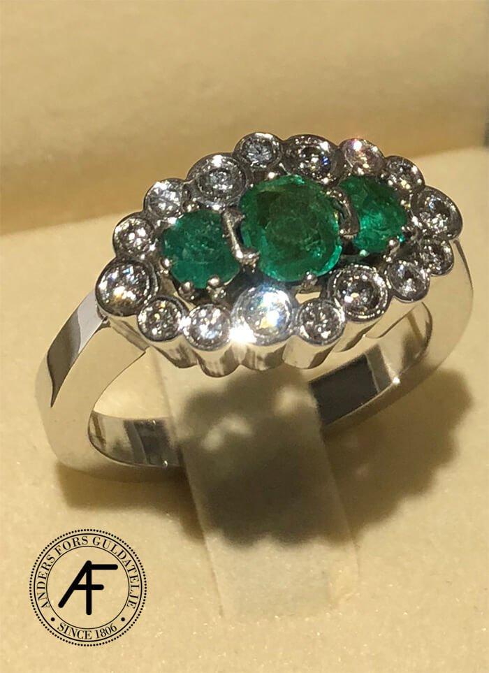 göra om ring med smaragder och diamanter